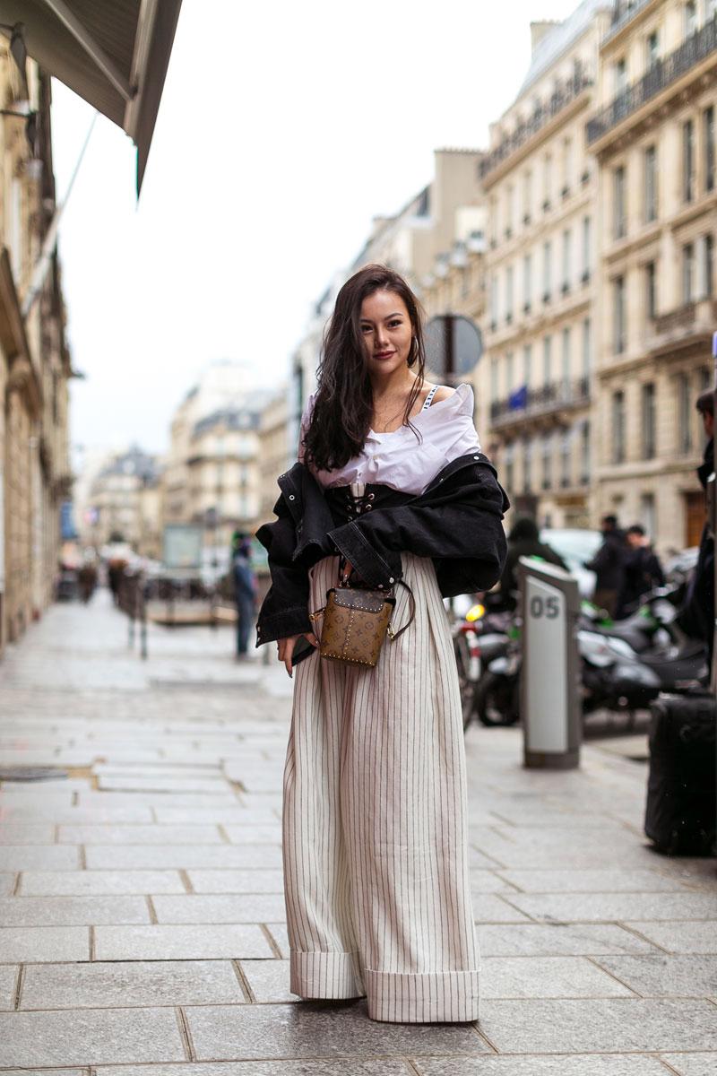 """Paris: <a href=""""http://www.lifestyleasia.com/501308/paris-fashion-week-2017-streetstyle/"""">Lifestyle Asia</a>"""