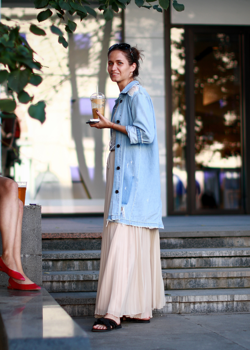 "International Street Style Fashion - Moscow: <a href=""https://www.instagram.com/dhante_caseres/?hl=en""target=""_blank"">Dhante Caseres</a>"