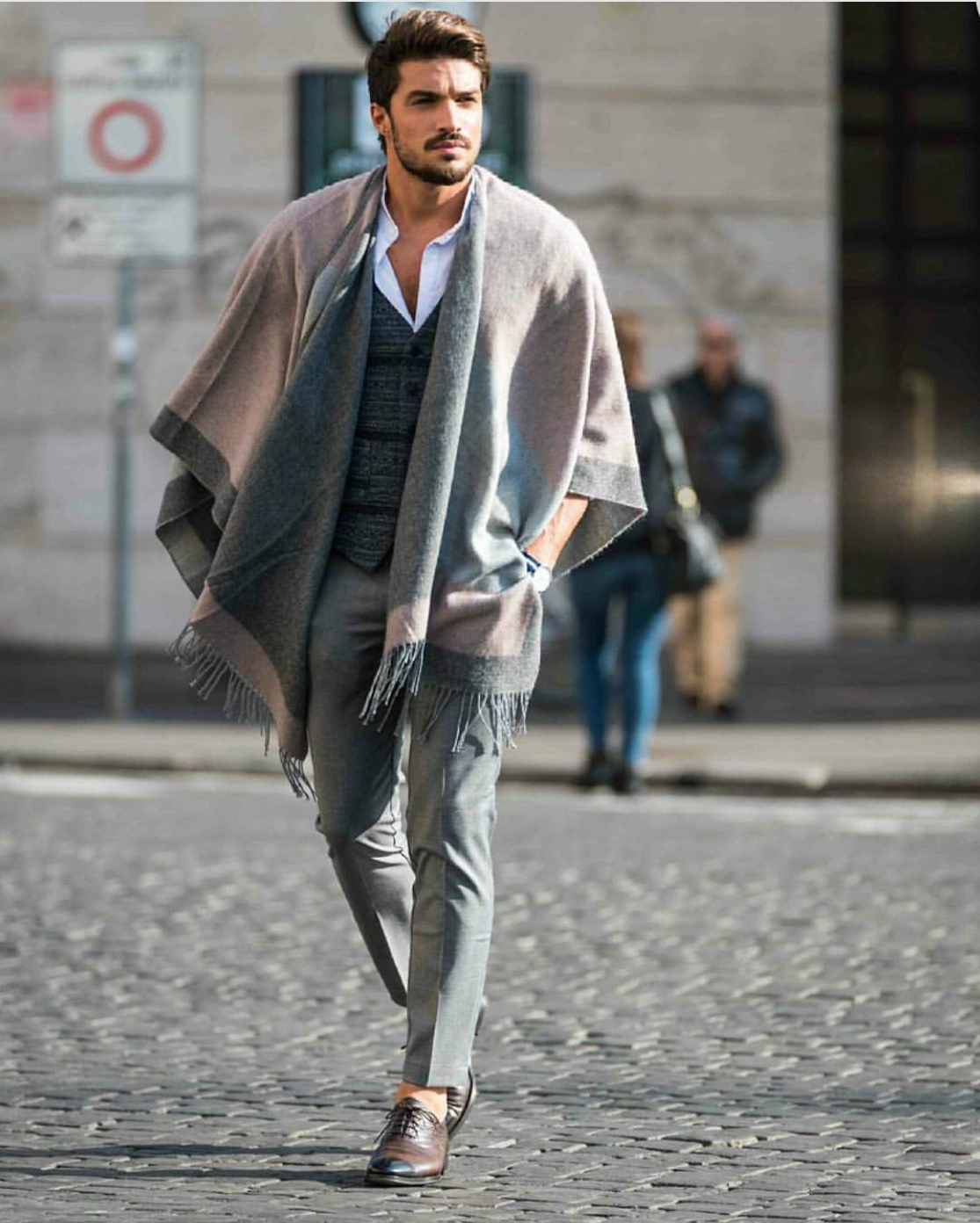 "Los Angeles:<a href=""http://instagram.com/marianodivaio/""target=""_blank""> Mariano Divaio</a>"