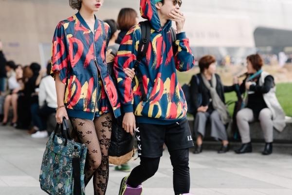 "Seoul: <a href=""http://fashiontimes.com/""target=""_blank"">Fashion Times</a>"