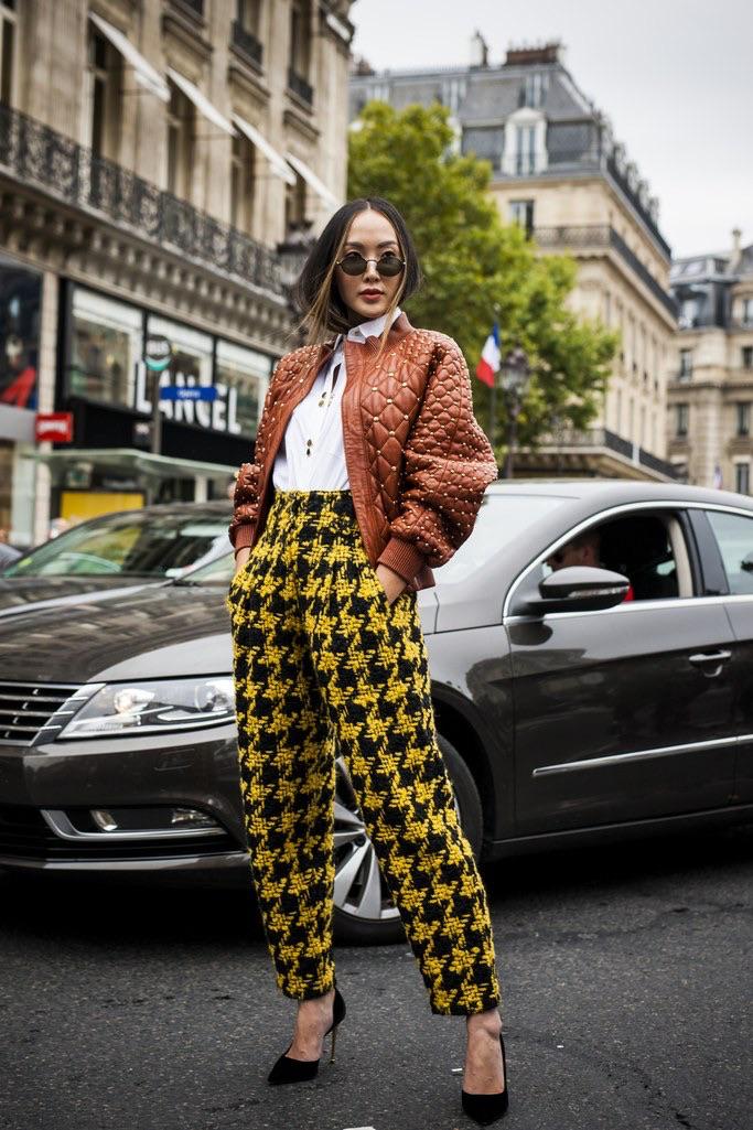 "International Street Style Fashion - Paris: <a href=""http://www.glamourmagazine.co.uk/""_blank"">Glamour</a>"