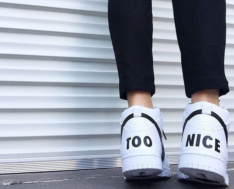 "Latest Australia style fashion - <a href=""https://www.instagram.com/theiconicau/"" target=""_blank"">The Iconic</a>"