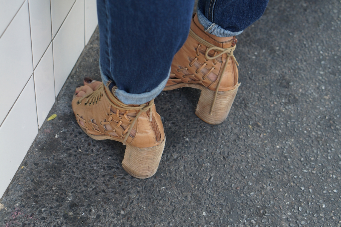 trending_shoes