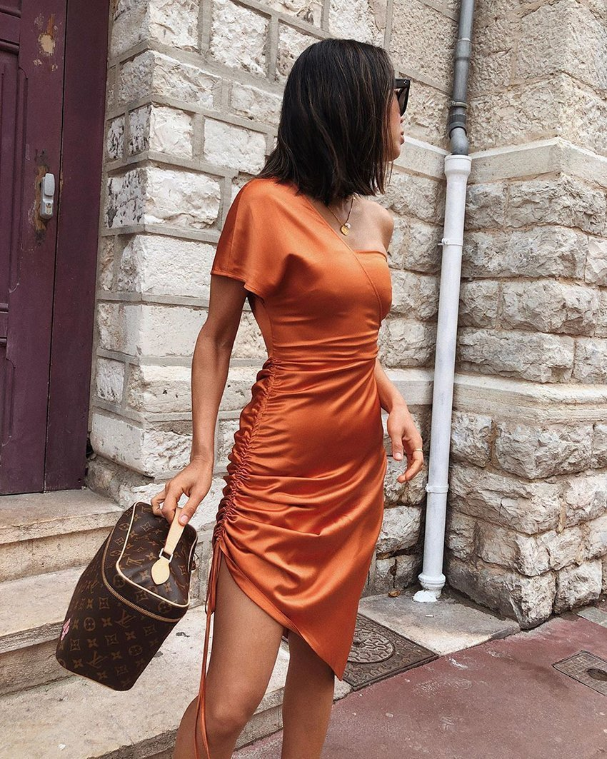 Dress Ruched on the side
