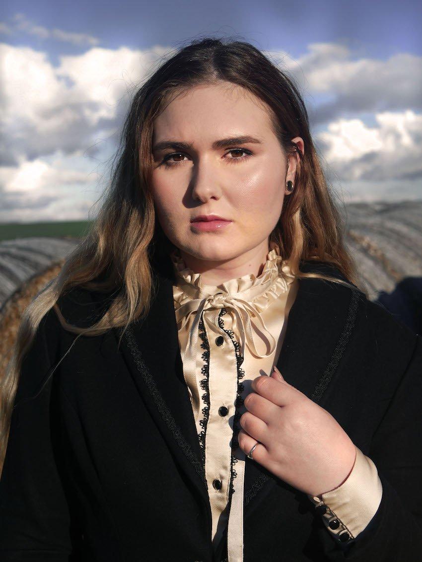 Tori-Ann_Gill_Dark_Thorn_Clothing