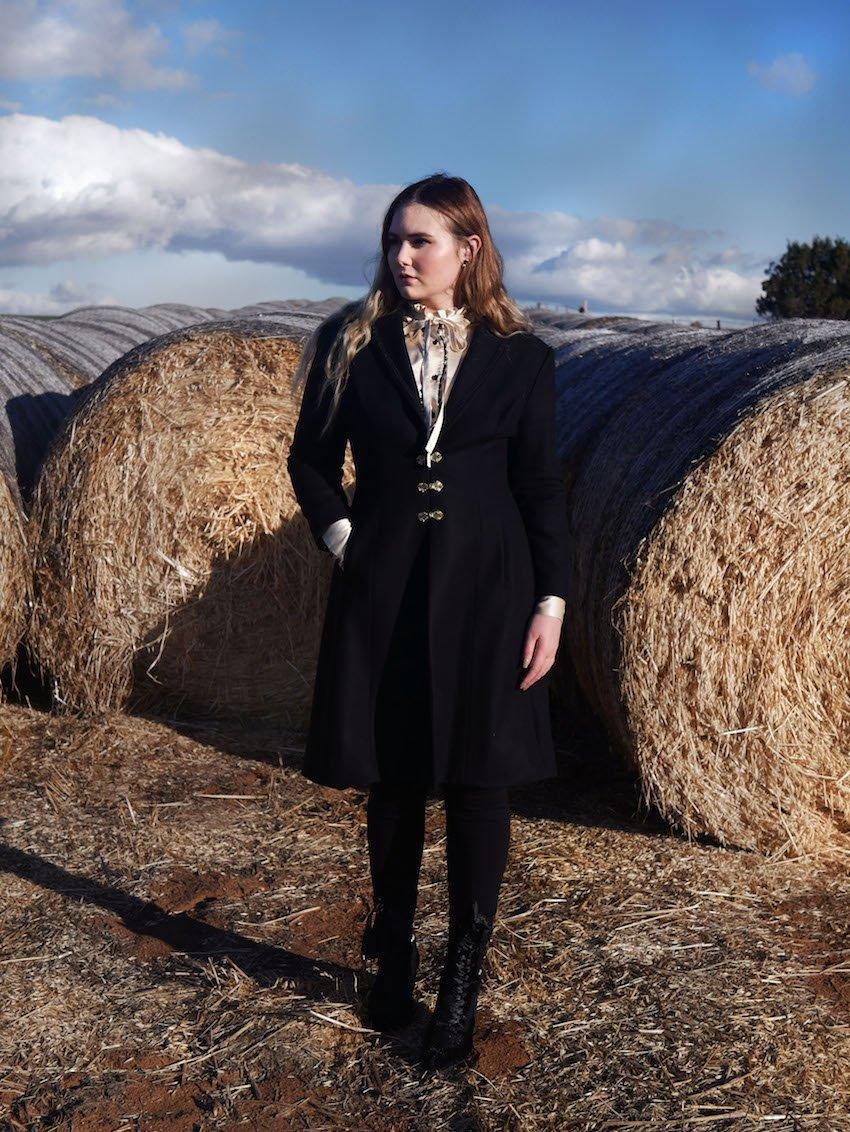 Tori-Anne_Dark_Thorn_clothing_2