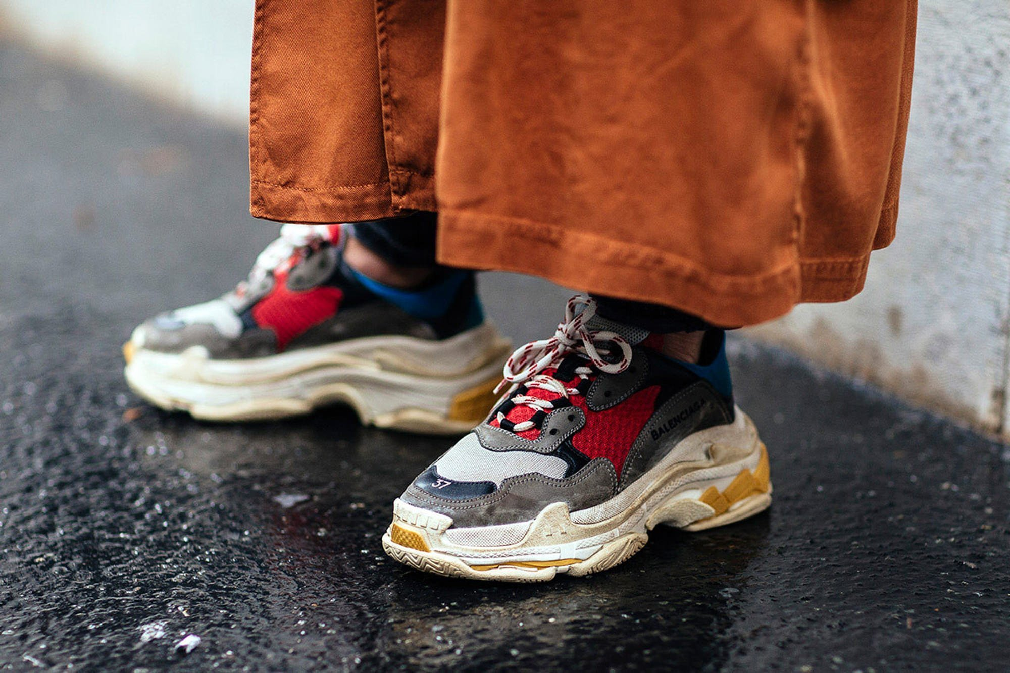 ugly chunky dad sneaker trend