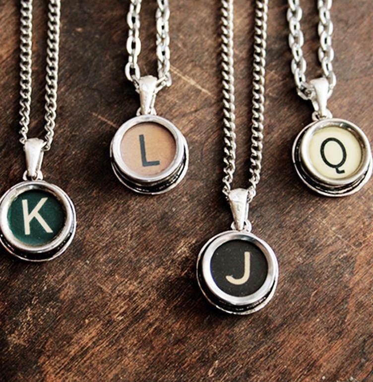 Vintage Typewriter keys in a pendant - best gift ideas for vintage lovers