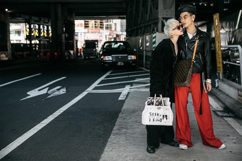 "Tokyo: <a href=""http://www.malisoriental.com/new/the-best-street-style-vibes-from-tokyo-fashion-week/""target=""_blank"">Mali's Oriental Bazaar</a>"