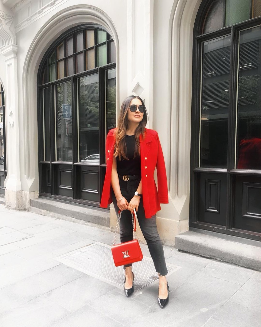 """Sydney: Ash, Fashion Blogger, """"gets a red jacket and lives happily ever after."""""""