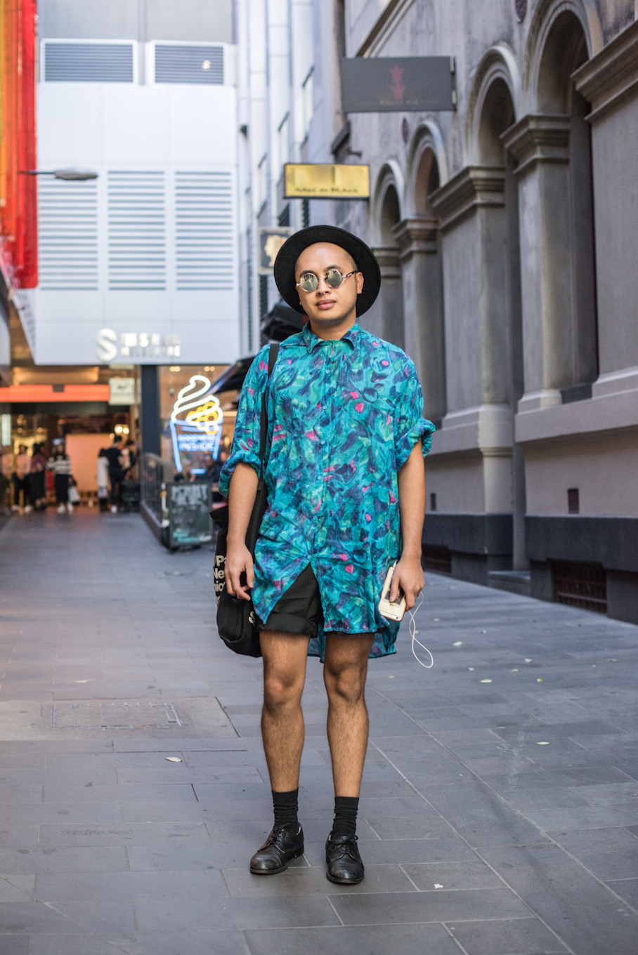 "Vic: Raul, Performer, Little Bourke St. ""I like to dress lightly and layered. It's all about texture."" Photo: <a href=""http://frederiquemadi.com/"" target=""_blank"">Frédérique Madi </a>"