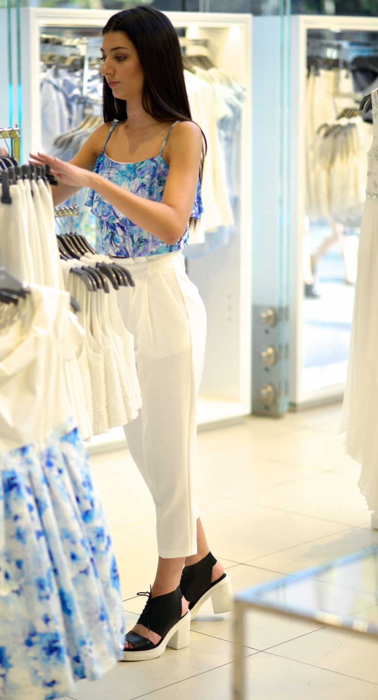 "WA: Lauren Carotozzolo, retail, snapped by Alan Wu, Murry St, Perth.  ""My style is classy and colourful""."