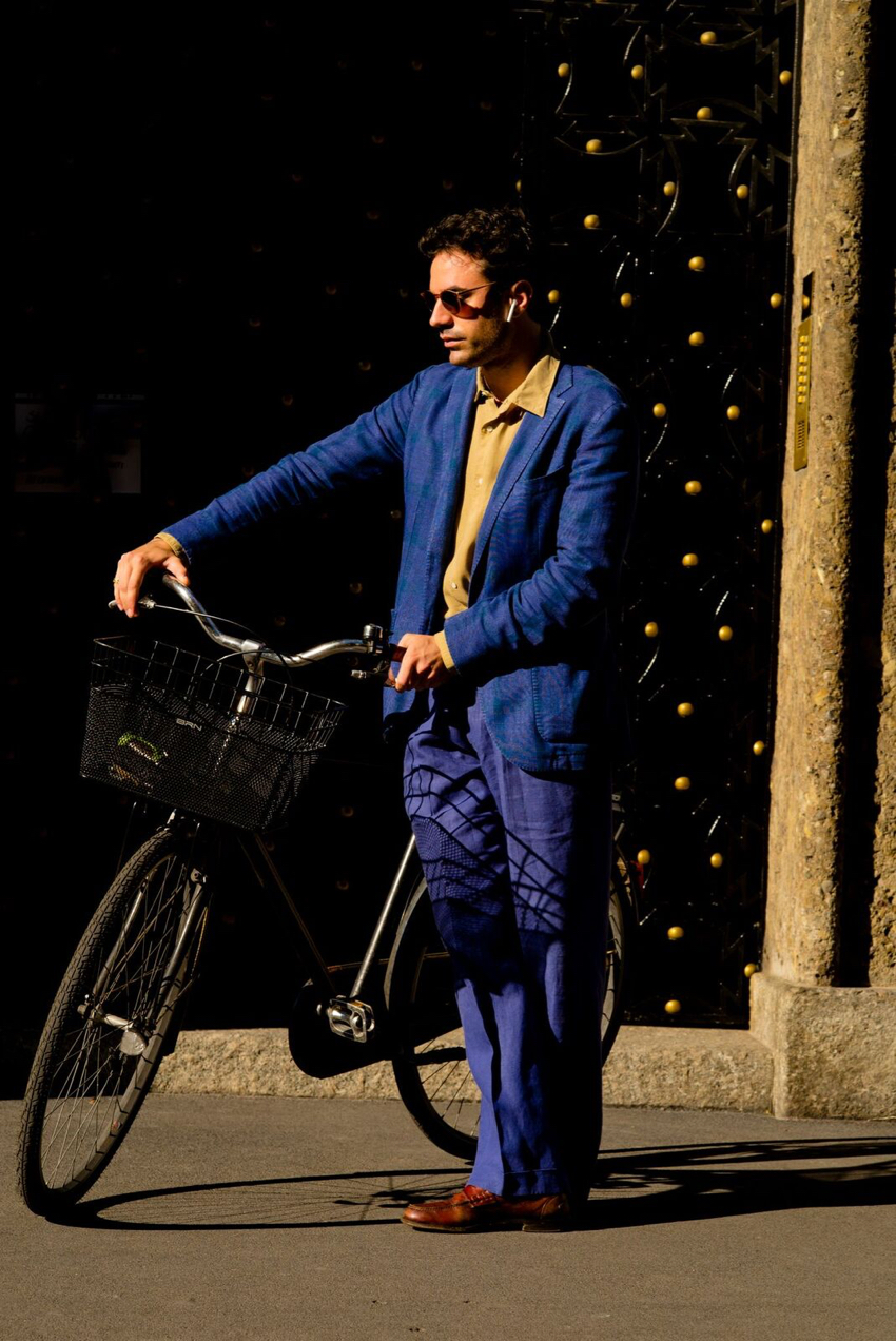 "Milan: <a href=""http://www.thousandyardstyle.com/ ""target=""_blank"">Thousand Yard Style</a>"