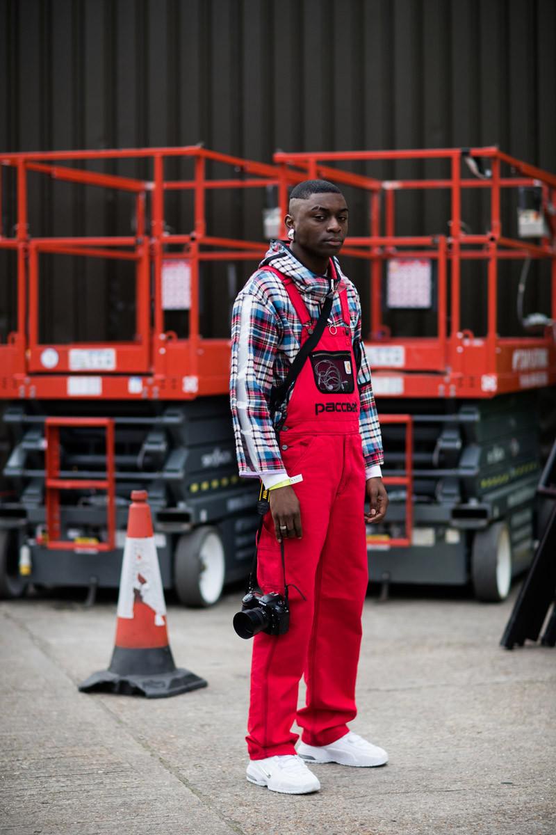 "International Street Style Fashion - London: <a href=""https://www.highsnobiety.com/""target=""_blank"">High Snobiety</a>"