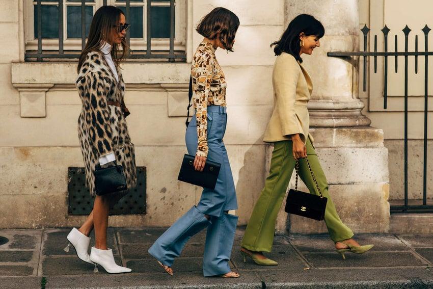 """International Street Style Fashion - Paris: <a href=""""https://popsugar.com.au/""""target=""""_blank"""">Popsugar</a>"""