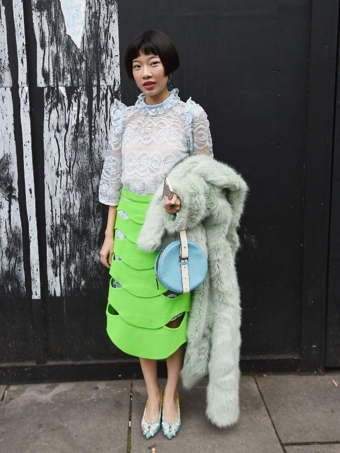 "International Street Style Fashion - London: <a href=""https://footwearnews.com/ ""target=""_blank"">Footwear News</a>"