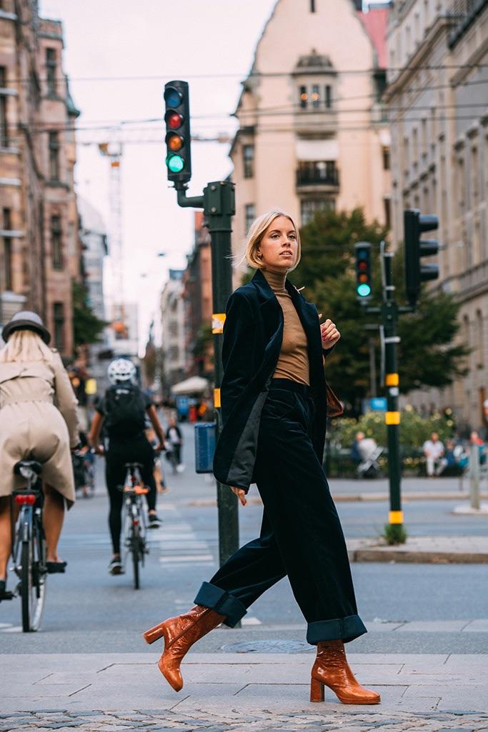 "Stockholm: <a href=""https://footwearnews.com/ ""target=""_blank"">FWN</a>"