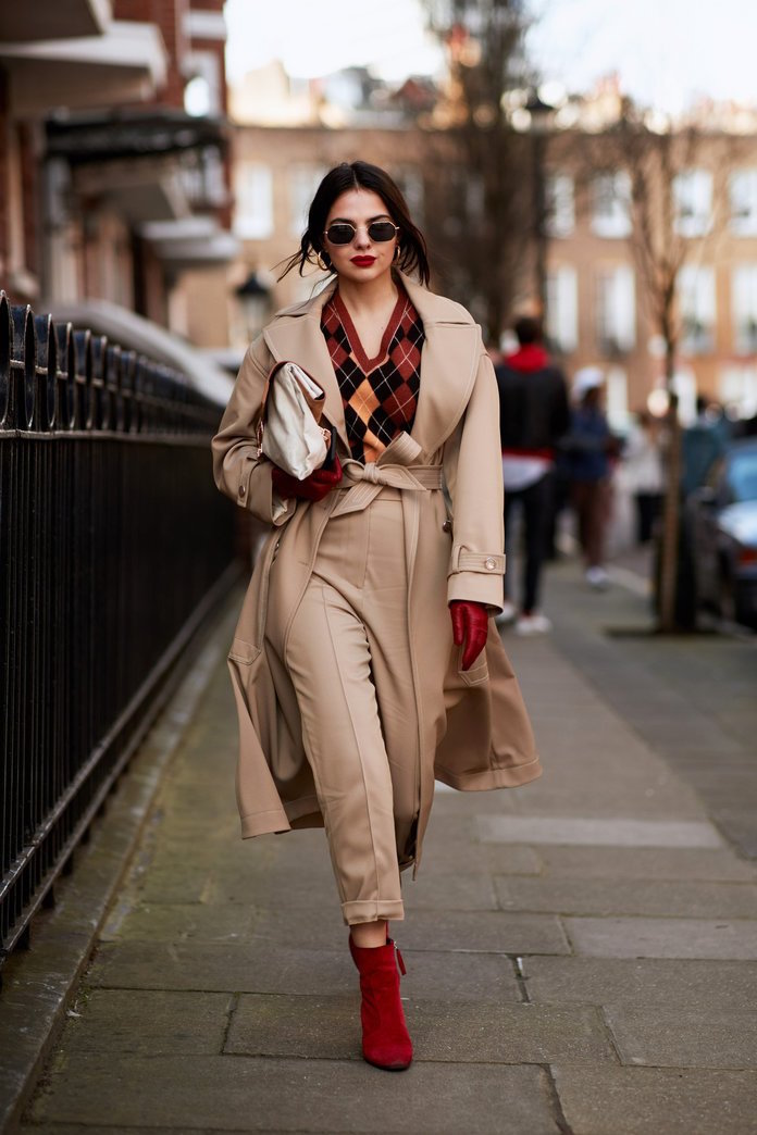 """International Street Style Fashion - London: <a href=""""https://www.instyle.com""""target=""""_blank"""">InStyle</a>"""
