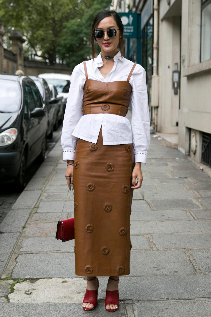 "Paris: <a href=""http://fashionista.com/""target=""_blank"">Fashionista</a>"