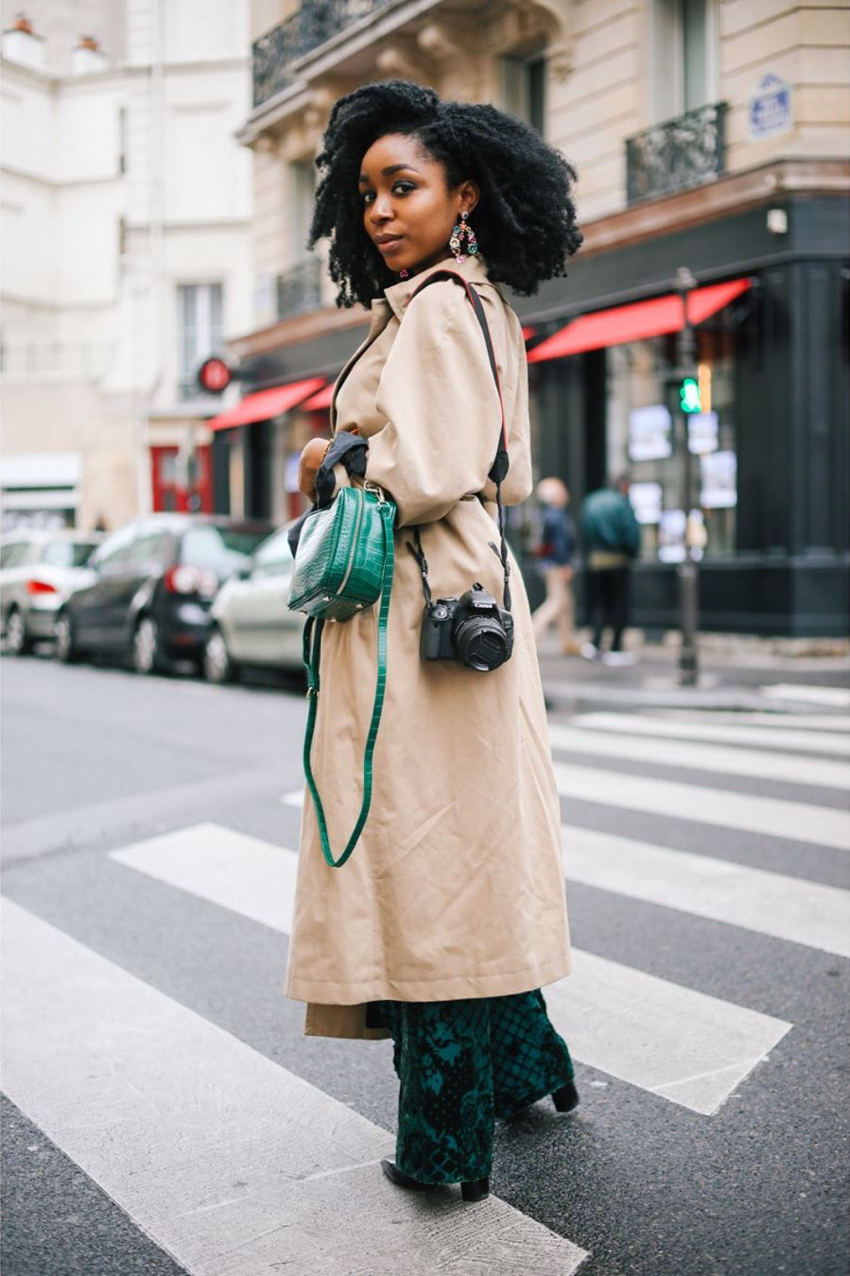 "Paris: <a href=""https://www.instagram.com/simonzchetrit/""target=""_blank"">Simon Zchetrit</a>"