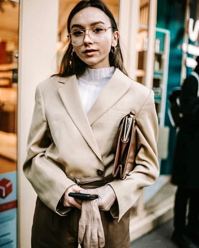 "Paris: <a href=""https://www.instagram.com/fashioninpills/""target=""_blank"">Fashion In Pills</a>"