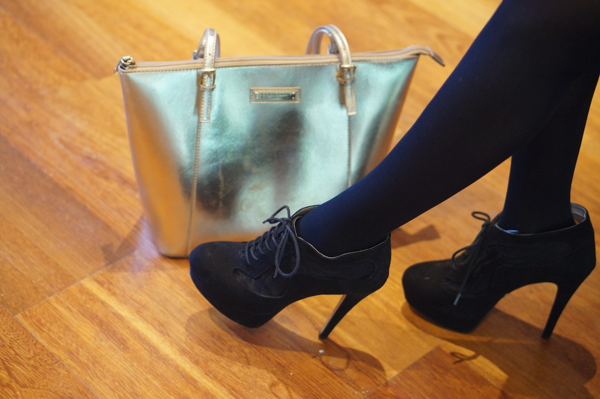 gold_bag_shoes